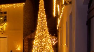 Svetelný strom kužeľ