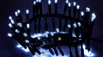 LED padajúci sneh