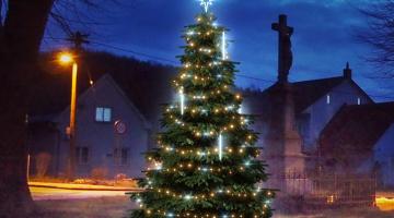 LED svetelná sada FLASH na strom 3-5m s padajúcim snehom